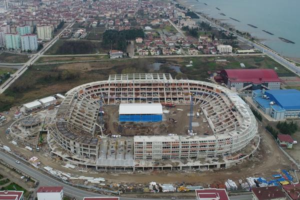 Ordu Büyükşehir Belediye Başkanı Enver Yılmaz, yapımı devam eden yeni stadın kaba inşaatının yüzde 95'inin tamamlandığını söyledi.
