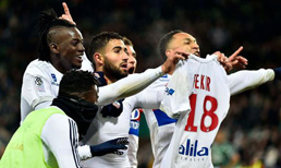 Premier Lig ekiplerinden Liverpool, Lyon'un golcüsü Nabil Fekir'i kadrosuna katmaya çok yakın