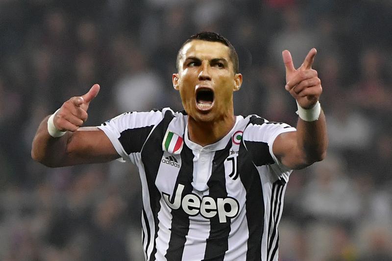 Ronaldo'nun transferi manşetlerde!