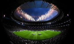Tottenham yeni stadına kavuştu