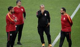 Galatasaray transferleri kampa yetiştirmek istiyor